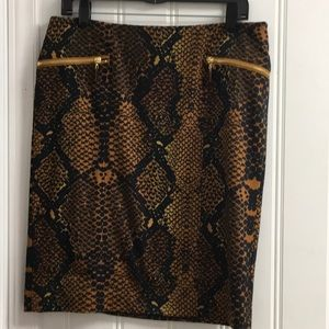 NWOT Ellen Tracy snake print pencil skirt